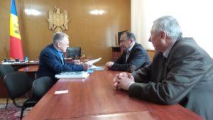 """Întălnirea Președintelui Euroregiunii """"Nistru"""" Serghei Tatuseak cu președintele  raionului Dondușeni Victor Chiriac…"""