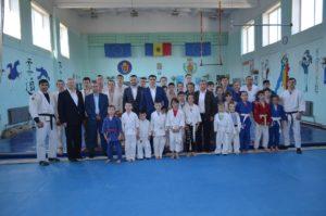 Deputatații  Constantin Țuțu și Boris Golovin în vizită de lucru la Dundușeni