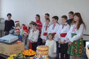 Urături, scenete și colinde au răsunat la Consiliul raional Donduşeni
