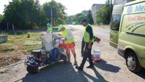 Efectuarea lucrărilor curente de montare a indicatoarelor rutiere și efectuarea marcajelor rutiere pe drumurile locale de interes raional